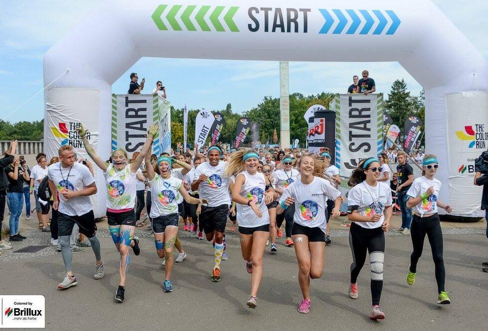 the color run 2016 in Hamburg start_running people