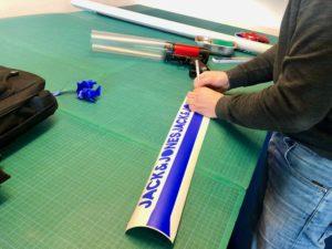 Branding und Aufkleberdruck einer T-Shirt Kanone auch bei Verleih oder Kauf
